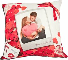 Cojin enamorados en rojo Polaroid Film, Frame, Ideas, Toss Pillows, Red, Places, Picture Frame, Frames, Thoughts