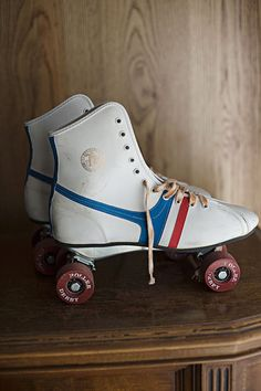 Whoa...now this takes me back...my first pair of skates when I was like...4.    (remember these?????)