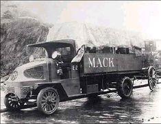 Antique Trucks, Vintage Trucks, Antique Cars, Cool Trucks, Big Trucks, Pickup Trucks, Old Mack Trucks, Heavy Truck, Diesel Trucks