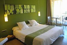 Home ⋆ Luna Dominante Green Bedroom Walls, Bedroom Decor, Basement Bedrooms, Master Bedrooms, Wall Candle Holders, Ideas Hogar, Decoration, Home Interior Design, House Plans