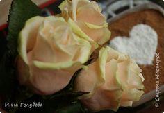 И снова всем привет,и снова я с розами, но в этот раз сорт Талея. Заодно и процесс отфоткала) Листики на фото живые. Свои еще не одела в них) фото 3