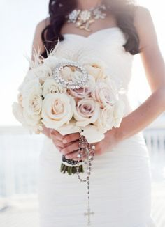 Runway Fashions About Weddings: What Kinds of Bridal Bouquets Will You Choose For Winter Weddings