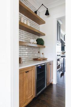 simple brick kitchen wall tiles inspiration for some cool looks 53 ~ IRMA Kitchen Wall Tiles, Kitchen Decor, Kitchen Design, Kitchen Ideas, Kitchen Counters, Kitchen Shelves, Kitchen Layout, Semarang, Layout Design