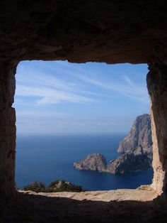 Es Vedrá, ibiza, Spain. La otra cara de Ibiza, playas de Ibiza, rincones de Ibiza, paisajes de Ibiza, Cala Conta Ibiza, Ibiza isla blanca, sitios que visitar en Ibiza, Ibiza beaches, Ibiza white island, places to go in Ibiza.