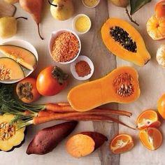 اذا كنت متضايق يساعدك ان يعدل مودك .. الاطعمة البرتقالية تساعد الجهاز المناعي ان يكون اقوى و يحافظ على صحتك و يحميك من البرد و العدوى و الامراض ... الجزر و المنجا و الخوخ و المشمش و القرع و البرتقال ... البرتقالي بحسسك بالسعادة
