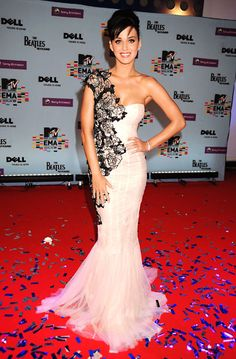 Katy Perry Rockin' The Red Carpet  Follow us on #facebook:  http://www.facebook.com/MODEBayArea