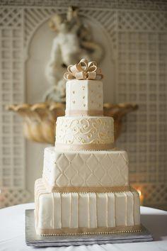 Patterned cake #weddings #weddingcakes #blisschicago