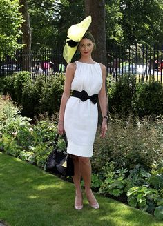 First-day fillies pass new Royal Ascot wardrobe guidelines with flying colours - Picture 8