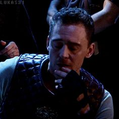 Coriolanus tom hiddleston | Tumblr (oh to be a glove on that hand, that I could touch that cheek, and those lips!)