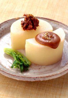 ふろふき大根 furofuki daikon (Radish with White Miso Sauce)