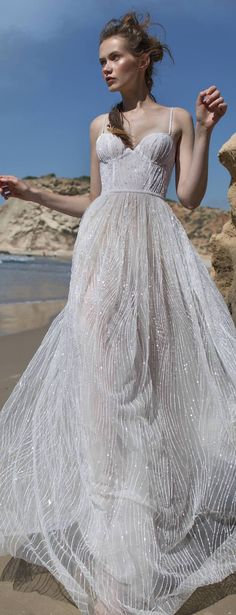 Wedding Dress by Limor Rosen Bridal Couture 2018 Free Spirit Collection - Kate Couture Wedding Gowns, Bridal Gowns, Couture Dresses Gowns, Wedding Dressses, Wedding Dress 2018, Wedding Dress Gallery, Fairytale Fashion, Beautiful Gowns, Dream Dress