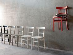Arredare Online? Consigli e Novità per arredare casa online: Sedie da soggiorno colorate e tavolo in legno naturale? Ecco la tendenza...