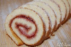 Rulada rapida cu gem (Website in Romanian) Sweets Cake, Doughnut, Deserts, Sugar, Ethnic Recipes, Gem, Food, Pastries, Cakes