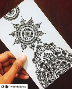 35 Super Ideas For Doodle Art Zentangle Awesome Mandala Art Lesson, Mandala Artwork, Mandalas Drawing, Doodle Patterns, Zentangle Patterns, Zentangles, Mandala Sketch, Mandala Doodle, Tattoo Designs
