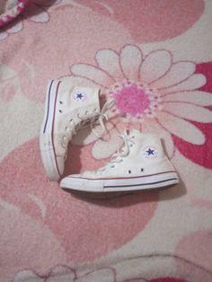 Bellos zapatos converse Zapatillas All Star, Stars, Sneakers, Fashion, Converse Shoes, Tennis, Moda, Slippers, Fashion Styles