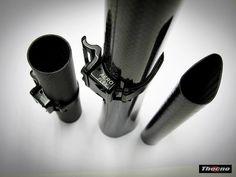 ATTACCO DERAGLIATORE AD-AERO FLEX FREE BREVETTATO AD-AERO-FLEX-FREE DISPOSITIVO PER L'ATTACCO AL TUBO SELLA DI DERAGLIATORI ANTERIORI CON FISSAGGIO TRADIZIONALE A VITE  - BREVETTATO- Questa fascetta flessibile abbraccia bene il tubo sella senza rovinarlo e con un minimo di tensione sulle viti il deragliatore risulta ben fermo senza dare danno alla vernice  o ad altro. Peso 40 gr. OGNI CONTRAFFAZIONE DEI NOSTRI BREVETTI SARA' PERSEGUITA A TERMINI DI LEGGE.  In vendita su www.thecnoline.it