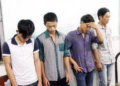 Bốn thanh niên dùng dao cướp trong đêm