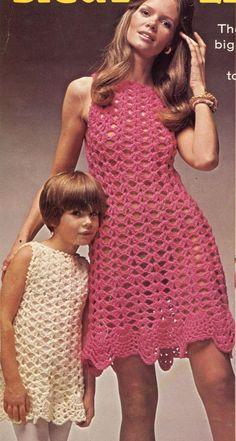 Crochet Pattern Vintage Crochet Dress Pattern-Crochet Girl Dress Pattern-Crochet Mother and Daughter Dress Pattern Beau Crochet, Pull Crochet, Mode Crochet, Crochet For Boys, Knit Crochet, Crochet Stitch, Crochet Baby, Little Dresses, Girls Dresses