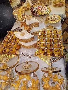 Arabian Decor, Indian Cake, Eid Food, Coffee Flower, Eid Party, Cute Baby Wallpaper, Red Home Decor, Ramadan Recipes, Jelly Recipes