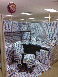Best Office desk birthday decorations....hahaha gotta do this