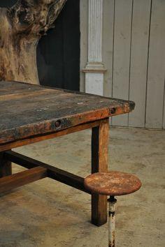 square primitive workbench c.1900 Espace Nord Ouest www.espacenordouest.com