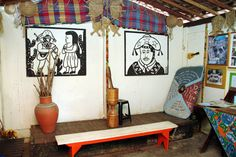 O Museu do Cordel, localizado no interior da Feira de Caruaru, abriga mais de 10 mil títulos dessa literatura popular famosa também no exterior. Esse museu é uma homenagem que um dos filhos de Olegário Fernandes faz a esse famoso autor de cordel que fundou o espaço em 1999 #Pernambuco