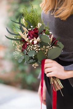 Winter boho flower bouquet made by Margot Blanxart