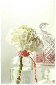 Una idea muy romántica para que decores un espacio especial de la casa. ¿Te atreverías a hacerlo?