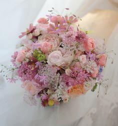 3シェアブーケ 秋と桜と涙 エメヴィベール様へ : 一会 ウエディングの花