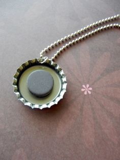 How to make interchangeable magnetic jewelry with 1″ buttons