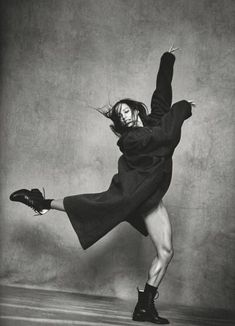 Lindbergh Francesca Hayward, Royal Ballet principal dancer Door hardware - Have you got a handle on Francesca Hayward, Photography Poses, Fashion Photography, Glamour Photography, Lifestyle Photography, Editorial Photography, Shotting Photo, Dance Poses, Dance Picture Poses