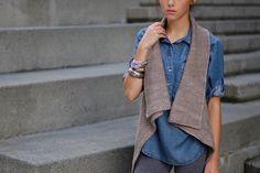 Ravelry: 002 pattern by Veronika Jobe