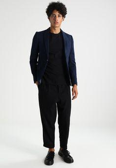 Haz clic para ver los detalles. Envíos gratis a toda España. Burton  Menswear London Americana de traje navy  Burton Menswear London Americana  ... 284d1690afb0