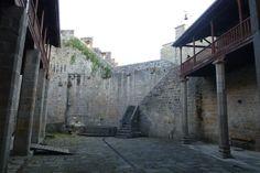 Interior del Castillo de Castro Caldelas, en la Ribeira Sacra