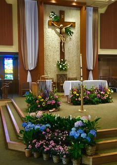 Easterchurchdecorations art and environment christ the king holy spirit catholic church easter 2016 junglespirit Images