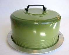 Regal Ware retro cake carrier