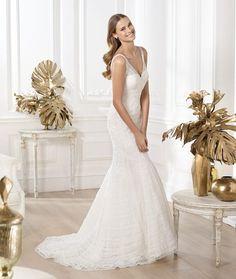 Pronovias Larrue Wedding Dress