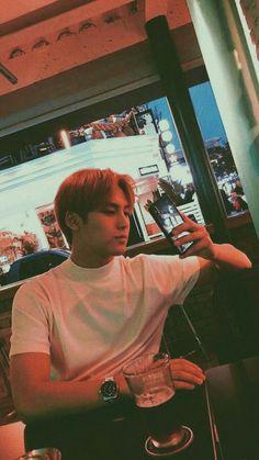 view not taking the right photo ♡ mingyu Seventeen Album, Mingyu Seventeen, Vernon, K Pop, Sea Wallpaper, Hip Hop, Kim Min Gyu, Seventeen Wallpapers, Meanie