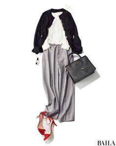 定番のブラウス×テイパードパンツのスタイルは、パンツのカラーを明るめにすると春らしく。はおりを加えるなら、ブラックカーデで印象を引き締めて。足もとはヒール靴で女っぽく振るのが大人っぽくまとめるコツです。 ブラウス¥9000/ラグナムーン ルミネ新宿(ラグナムーン) テーパードパン・・・
