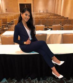 45 Professional and Classy Work Attire Ideas for Women - Work Outfits Women - Business Attire Business Professional Attire, Business Casual Attire, Professional Dresses, Professional Women, Business Formal, Business Fashion, Business Women, Classy Business Outfits, Business Chic