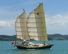 Tystie has had a single-masted junk rig for half of her sailing, miles. For the other half, she had a ketch rig with soft wing-sails, very much. Design Net, Boat Design, Kayak Boats, Tug Boats, Floating Architecture, All About Water, Honfleur, Cruise Boat, Naval