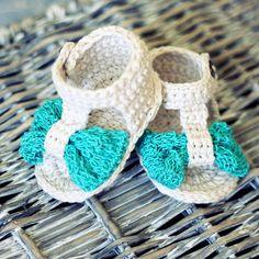 Instant download - Crochet PATTERN for baby booties (pdf file) - Foulard Baby Sandals de monpetitviolon en Etsy