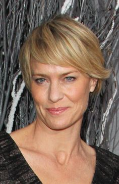Short hair . Robin Wright is so cute on House of Cards