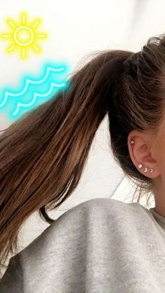 ~ Ear piercings are always hot! In other words, they can make you look totally different from the rest. Ear piercing is not just limited to the standar… Piercing Tattoo, Piercing Snug, Ear Piercing Studs, Ear Peircings, Double Piercing, Cute Ear Piercings, Cartilage Hoop, Ear Piercings Cartilage, Multiple Ear Piercings