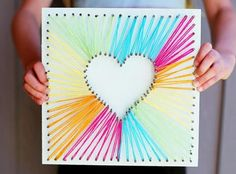 Floral Card Kit Test out your string art skills by surprising Mom with this beautiful craft on Mother's Day.Test out your string art skills by surprising Mom with this beautiful craft on Mother's Day. Kids Crafts, Bee Crafts, Easy Crafts, Diy And Crafts, Arts And Crafts, Crafts With Yarn, Diy Mothers Day Gifts, Diy Gifts Mom, Diy Birthday Gifts For Mom