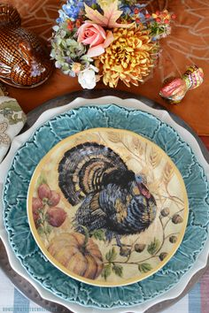 Floral Friday: Mini Blooming Tureens and Giving Thanks Table – Home is Where the Boat Is Thanksgiving Dinner Plates, Thanksgiving Celebration, Thanksgiving Traditions, Thanksgiving Ideas, Fall Table Settings, Thanksgiving Table Settings, Turquoise Cottage, Beans On Toast, Christmas Tablescapes
