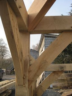 Castle Ring offer a truly bespoke service for hips in oak or douglas fir. Hip rafters are the 2 diagonal timbers that stretch from the ridge down to the corners or the frame.