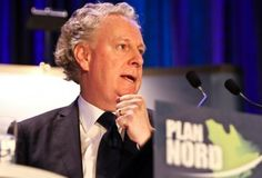 Charest sévèrement critiqué à Rio pour son Plan Nord Premier Ministre, Canada, Rio, Sons, Articles, How To Plan, Wrestling, My Son, Clam