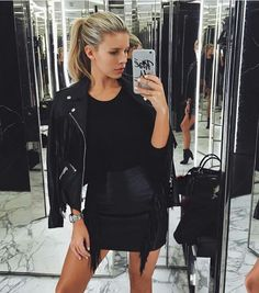 >>>Oakley Sunglasses OFF! >>>Visit>> Natasha Oakley Sunday shopping ✨ with our Rose All Day case! Cool Outfits, Summer Outfits, Fashion Outfits, Fashion Tips, Fashion Trends, Fashion Ideas, Women's Fashion, Woman Outfits, Dressy Outfits
