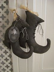 pRiMiTiVe Witches Boots